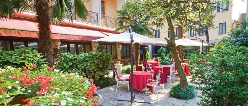 Hotel Amadeus, Venice, Italy - courtyard.jpg